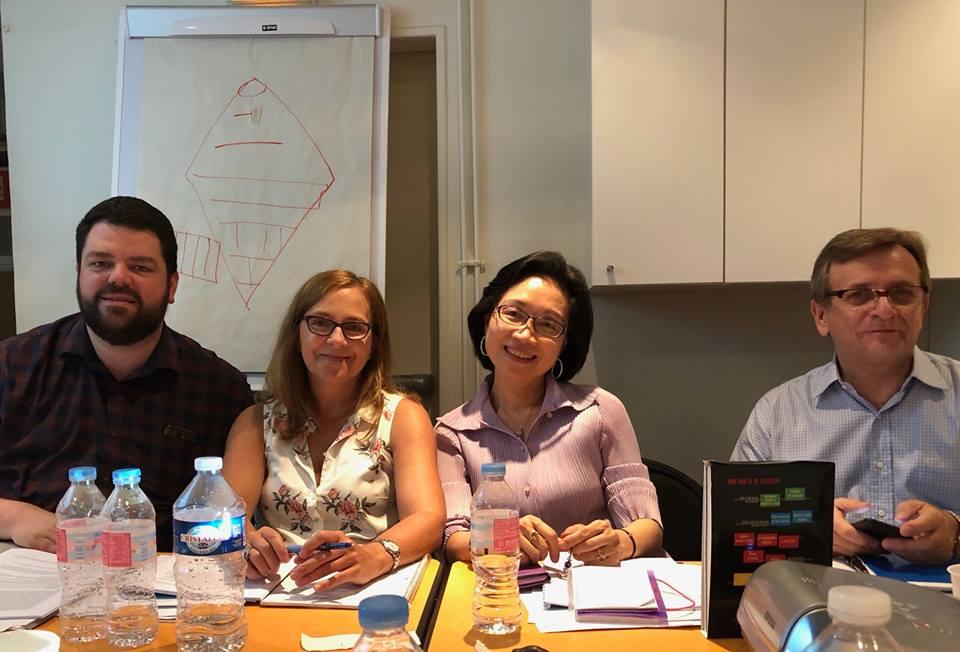 4 représentants du conseil d'administration de la FIPF